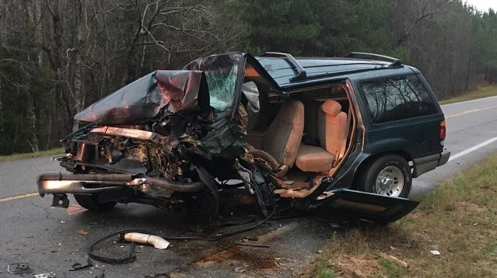 UPDATE: 2 women dead after head-on wreck in Toombs County | WGXA