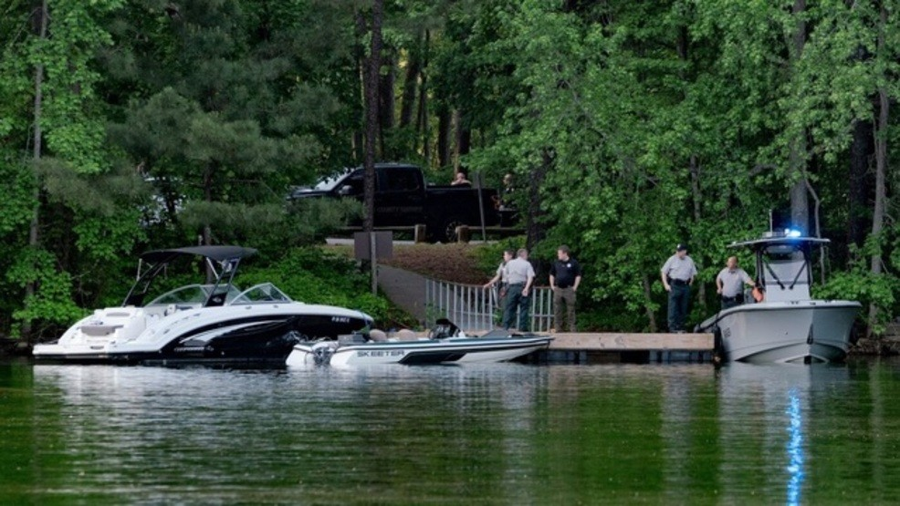 2 missing on Georgia's Lake Lanier after boats crash | WGXA