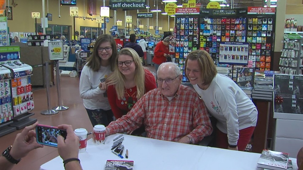 Legendary Uga Coach Vince Dooley Makes Appearance In Milledgeville